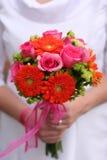 Mariée avec son bouquet Images stock