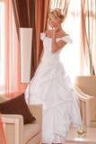 Mariée dans l'intérieur Photos stock