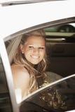 Mariée dans la limousine Photos stock