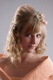 Mariée dans la robe crème. Verticale 1 Photos libres de droits