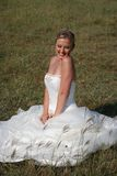 Mariée dans la robe de mariage image stock