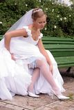 Mariée dans la robe de mariage blanche Image stock