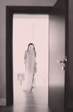 Mariée dans sa chambre photos libres de droits
