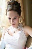 Mariée dans une robe de mariage image stock