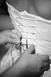 Mariée de robe de mariage de lacet Image libre de droits