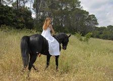 Mariée et cheval Images stock