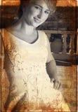 Mariée grunge dans le noir et le petit morceau Photographie stock libre de droits