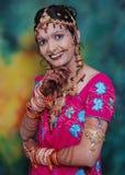 Mariée indienne heureuse photo stock