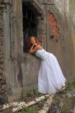 Mariée sur les ruines Image libre de droits