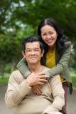 Mari et épouse supérieurs heureux Photos libres de droits