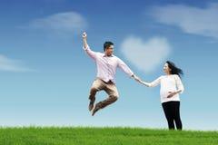 Mari heureux avec son épouse enceinte Photos libres de droits