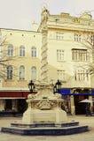 Mariańska kolumna przy dżentelmenu kwadrata St Pölten krzyżem rozwijać Fotografia Royalty Free
