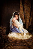 Maria e Gesù nella scena di natività Fotografia Stock Libera da Diritti