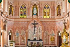 Maria och Jesus i kyrka fotografering för bildbyråer