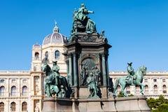 Maria Theresa Statue- und Naturhistorisches-Museum lizenzfreies stockfoto