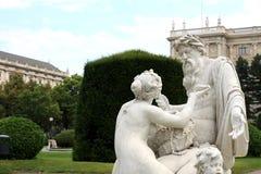 Maria-Theresia Platz, Tritonen och najadspringbrunn, Wien, Aus Royaltyfri Bild