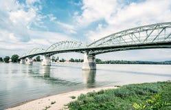 Maria Valeria-brug van Esztergom aan Sturovo, retro filter royalty-vrije stock afbeelding