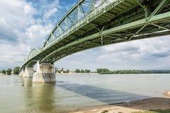Maria Valeria-brug van Esztergom, Hongarije aan Sturovo, Slovaki Stock Foto