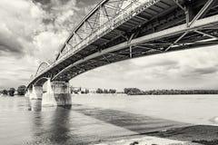 Maria Valeria-brug van Esztergom, Hongarije aan Sturovo, Slovaki stock afbeeldingen