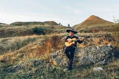 Mariachi messicani del musicista con la chitarra Immagini Stock Libere da Diritti