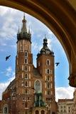 Mariacki教会塔在克拉科夫 库存照片