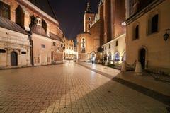 Mariacki-Quadrat nachts in der alten Stadt von Krakau Lizenzfreies Stockfoto