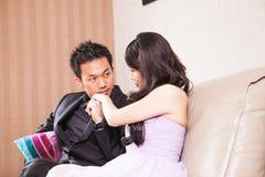 Mariage de style campagnard de jeunes mariés Photos stock