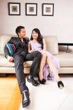Mariage de style campagnard de jeunes mariés Image libre de droits
