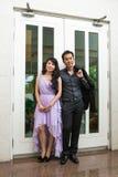Mariage de style campagnard de jeunes mariés Image stock