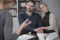 Mariage pendant la thérapie matrimoniale Photo stock