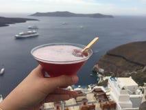 Mariage romantique de lune de miel de boissons d'île de Santorini Photographie stock