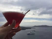 Mariage romantique de lune de miel de boissons d'île de Santorini Images libres de droits