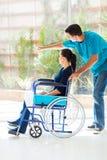 Esposa deficiente do marido Foto de Stock