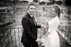 Marido e esposa União dos pares newlyweds Rebecca 36 Imagem de Stock Royalty Free