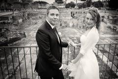 Marido y esposa Boda de los pares newlyweds Rebecca 36 Imagen de archivo libre de regalías