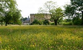 marie antoinette domu luksusowe łąka poza s Zdjęcia Stock