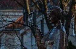 Marie Curie Statue arkivbilder