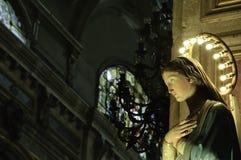 Marie di Virgen su una chiesa cattolica Fotografie Stock Libere da Diritti