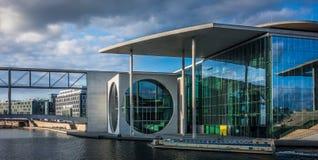 Marie-Elisabeth-Lü ders-Haus - deutsches Parlaments-Gebäude Stockfoto