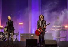 Marie Fredriksson e por Gessle canta e joga - ajuste Roxette Fotos de Stock