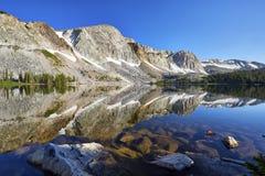 Marie Lake, gamma di Snowy, Wyoming fotografie stock libere da diritti