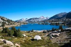 Marie Lake op John Muir Trail royalty-vrije stock afbeelding