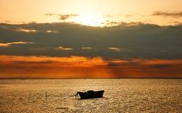Marien landschap met boot, in Frankrijk (Camargue) Royalty-vrije Stock Foto