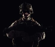 Mariene die de contourstudio van de V.S. op zwarte achtergrond wordt geschoten stock afbeelding