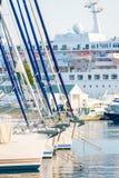 Mariene die schepen in de haven worden vastgelegd Stock Afbeeldingen