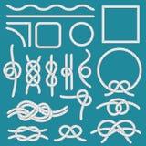 Mariene kabelknoop Kabelskaders, touwwerkknopen en decoratieve koordverdeler geïsoleerde vectorreeks royalty-vrije illustratie