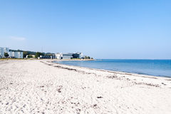 Marienlyst strand i Helsingor, Danmark Royaltyfria Bilder