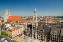 Marienplatz的全景是一个中心广场在慕尼黑,德国的市中心 免版税库存图片