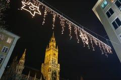 Marienplatz på Adventtid Arkivfoton