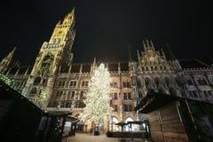 Marienplatz på Adventtid Royaltyfri Fotografi